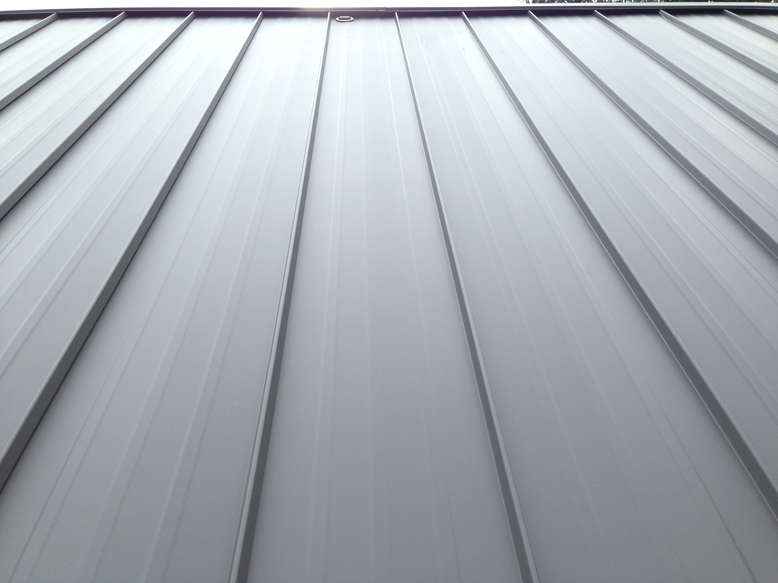 Metal Roofs Vs Rubber Roofs Understanding The Difference