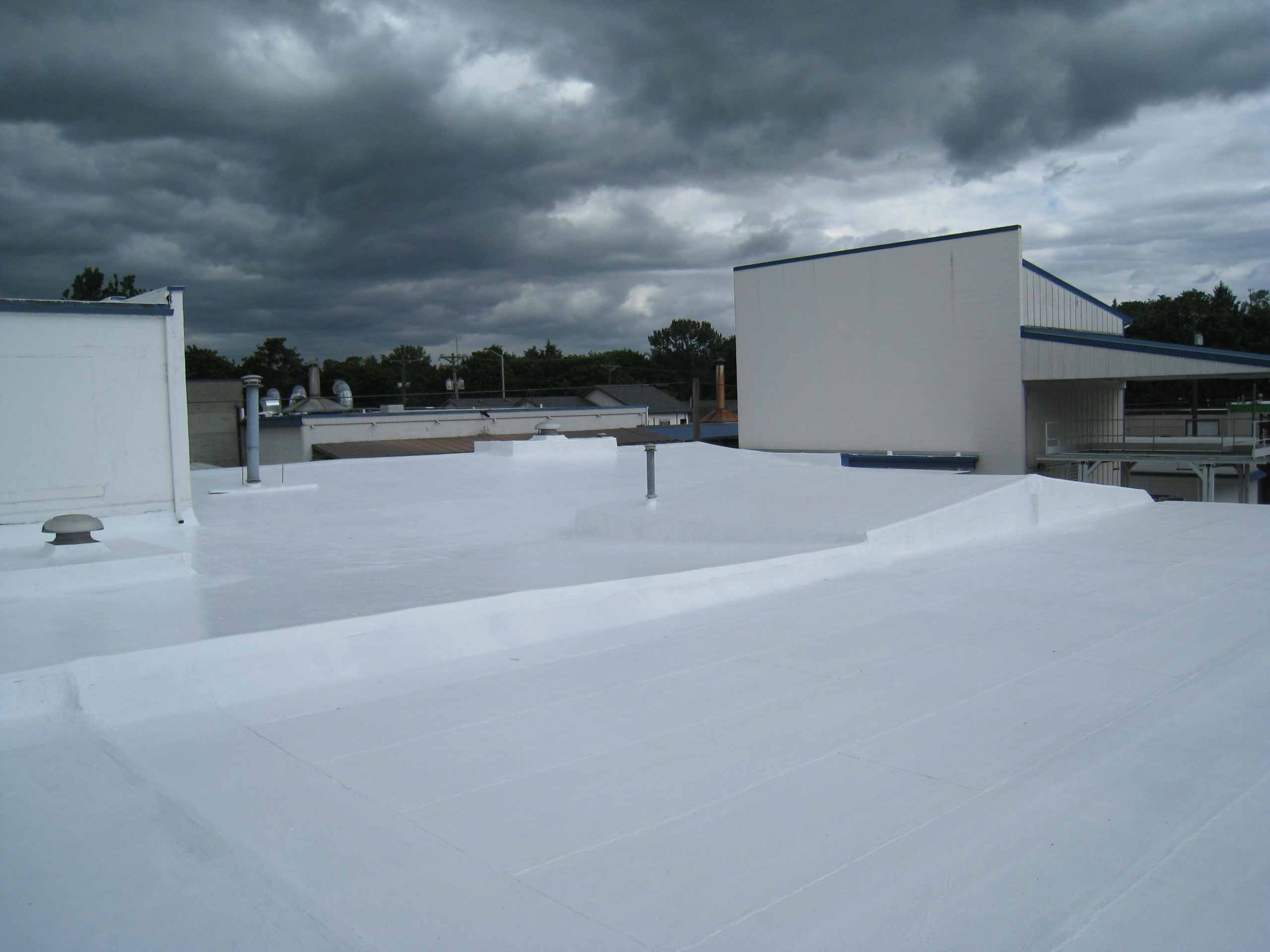 Top 4 Tips On How To Extend The Life Of Your Commercial Roof
